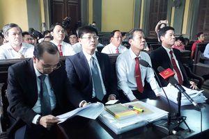 Vụ 'Taxi Vinasun kiện GrabTaxi': Ngừng phiên tòa sau nhiều ngày nghị án!