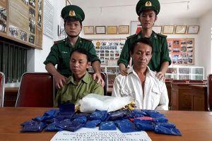 Bộ đội biên phòng bắt quả tang, thu giữ hàng chục kg ma túy đá
