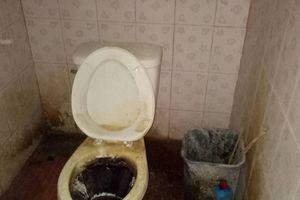 Thuê nhà của vợ cũ, anh chồng biến nó thành bãi rác