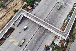 Cận cảnh cây cầu bộ hành '2 trong 1' đầu tiên ở Hà Nội