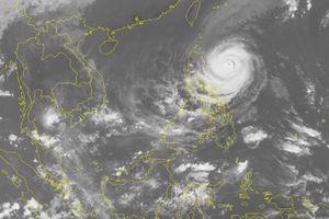Tin mới nhất siêu bão Yutu: Tiến sát về biển Đông, giật cấp 17