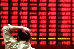 Chứng khoán đỏ lửa, vàng, bất động sản bấp bênh: Nên đầu tư vào đâu?
