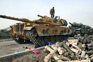 40 xe bọc thép Thổ Nhĩ Kỳ kéo tới vùng đệm Syria