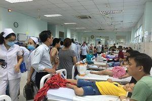 TP.HCM: Nghi ngộ độc bánh mì chà bông khiến 30 trẻ nhập viện khẩn cấp