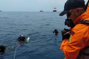 Vớt được 6 thi thể trong vụ máy bay Indonesia chở 189 người lao xuống biển