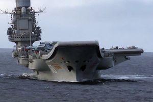 Tàu sân bay Nga không hư hại sau sự cố bến nổi bất ngờ bị chìm