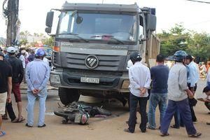 Ô tô tải tông tử vong một phụ nữ đi xe máy