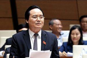 Bộ trưởng bị truy trách nhiệm về quy định đuổi học sinh viên bán dâm