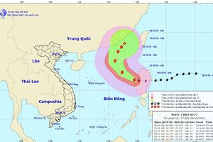 Bão số 7 di chuyển chậm vào Biển Đông với sức gió suy yếu dần