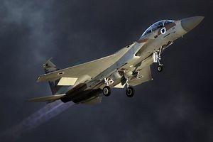 'Phớt lờ' sức mạnh vô song S-300 của Nga, Israel lần đầu tấn công Syria sau vụ Il-20