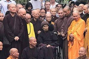 Ngày thường giản dị của thiền sư Thích Nhất Hạnh tại Huế