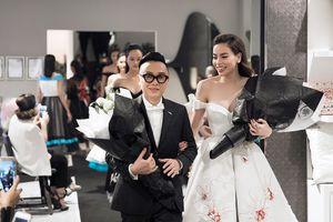 Hồ Ngọc Hà tái xuất sàn diễn thời trang