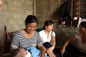 'Nhặt' được bé trai cùng bức tâm thư giãi bày 'chồng bỏ, mắc bệnh hiểm nghèo'