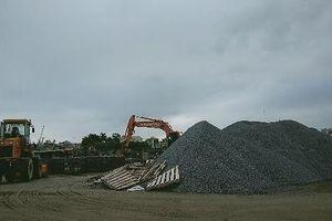 Quảng Ninh: Lập cảng bến hàng ngàn m2 trái phép trên hành lang đê, cán bộ xã quản lý 'bằng miệng'?