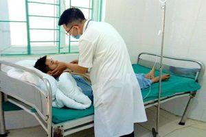 5 người trong gia đình nhập viện cấp cứu sau khi ăn nấm