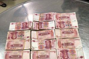 Cảnh báo hiện tượng đưa tiền, ngoại tệ vượt biên