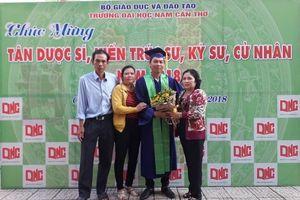 Gần 500 sinh viên Trường đại học Nam Cần Thơ nhận bằng tốt nghiệp