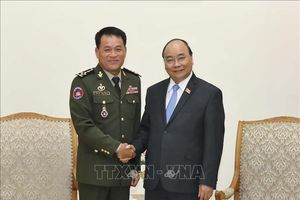 Thủ tướng Nguyễn Xuân Phúc tiếp Tổng Tư lệnh Quân đội Hoàng gia Campuchia