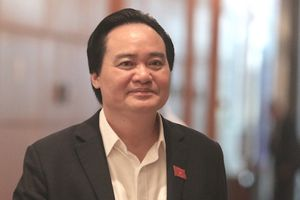 Bộ trưởng Phùng Xuân Nhạ lên tiếng về quy định đuổi học sinh viên bán dâm