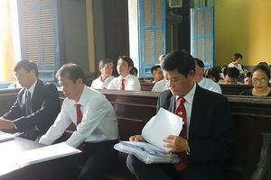 Vụ Vinasun kiện Grab: Tạm dừng phiên tòa đến 22/11