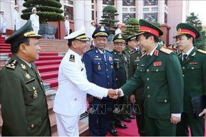 Thượng tướng Phan Văn Giang tiếp Tổng Tư lệnh Quân đội Hoàng gia Campuchia đến thăm Việt Nam