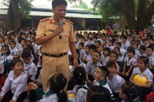 Tuổi trẻ huyện Gia Lâm với an toàn giao thông