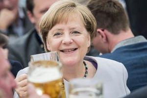 Angela Merkel: Nữ tướng trị vì 'biết mình biết ta'