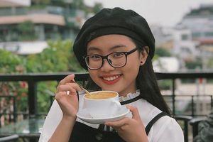 Phương Mỹ Chi gây ngạc nhiên khi cover bản hit gây sốt mạng xã hội 'HongKong1'