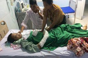 Bố bé gái 14 tuổi bị hiếp dâm, cứa cổ diệt khẩu:'Đến bệnh viện nhìn con băng bó khắp người tôi như chết lặng'