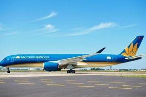 Máy bay hiện đại bậc nhất A350 của Vietnam Airines bị xịt lốp sau khi hạ cánh