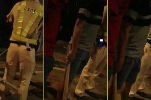 Người vi phạm bị 'người lạ' đánh gần chốt CSGT