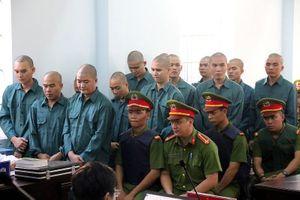 Phạt tù 30 bị cáo gây rối, đốt trụ sở UBND tỉnh Bình Thuận