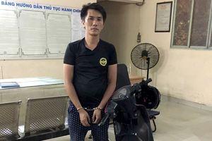 Tên cướp vừa gây án bị cảnh sát hình sự Sài Gòn tóm gọn