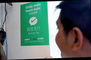 Chấn chỉnh nạn du khách thanh toán 'chui'