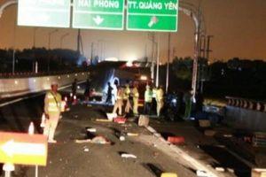 Ô tô đâm nhau kinh hoàng trên cao tốc, nhiều người thương vong