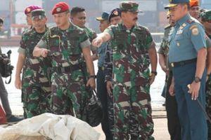 Máy bay Indonesia chở 189 người rơi: Tìm thấy phần thân dài 22m
