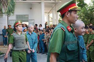 Đập phá trụ sở UBND tỉnh Bình Thuận, 30 người bị xử tù