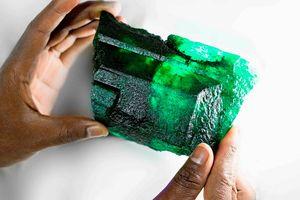 Phát hiện viên ngọc lục bảo 5.655 carat ở Zambia