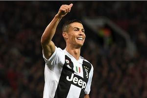 Chỉ cần 3 tháng, Ronaldo đã phá kỷ lục tồn tại 60 năm