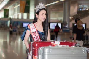 Huỳnh Vy đội vương miện Miss Tourism Queen Worldwide 2018 rạng rỡ về nước