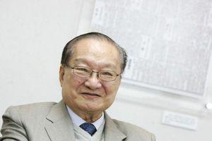 Cộng sự lâu năm tiết lộ về phút cuối đời của nhà văn Kim Dung