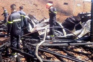 Đắk Lắk: 'Bà hỏa' ghé thăm, ba căn nhà bị thiêu rụi