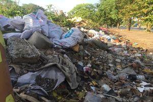 Bắc Từ Liêm, Hà Nội: Cần sớm giải tỏa bãi rác gây ô nhiễm trên đường Văn Tiến Dũng
