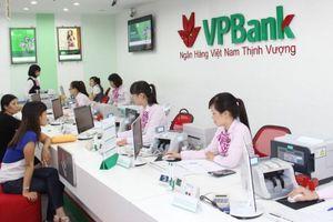 Giá cổ phiếu giảm, vợ Chủ tịch VPBank tiếp tục chi tiền 'ôm vào'