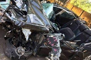 Mazda3 nát bét trên cao tốc Hải Phòng - Quảng Ninh, 2 người tử vong