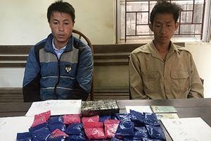 Bắt hai đối tượng thu 1 bánh heroin và hơn 5 nghìn viên ma túy