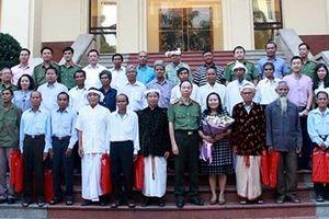 Gặp mặt Đoàn đại biểu người có uy tín trong dân tộc thiểu số tỉnh Ninh Thuận