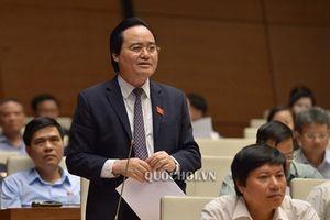 Bộ trưởng Phùng Xuân Nhạ nhận trách nhiệm về việc 'học sinh viết, vẽ vào sách giáo khoa'