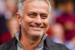 'Chửi bậy', HLV Mourinho chính thức nhận 'trát' từ FA