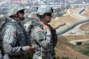 Mỹ có thể sẽ điều 15.000 lính tới sát biên giới Mexico